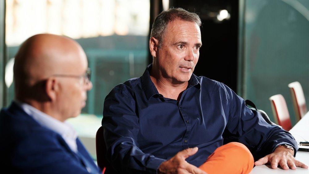 Interview de Christian Binggeli (à g.) et Jean-François Collet avant la reprise du championnat de Xamax à la Maladière.