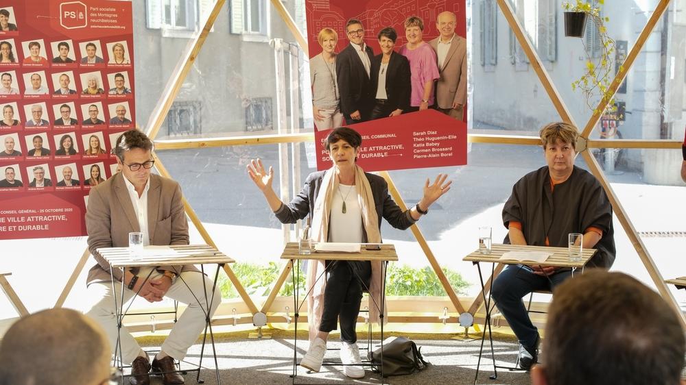Théo Huguenin-Elie, Katia Babey et Carmen Brossard, candidats au Conseil communal de La Chaux-de-Fonds.