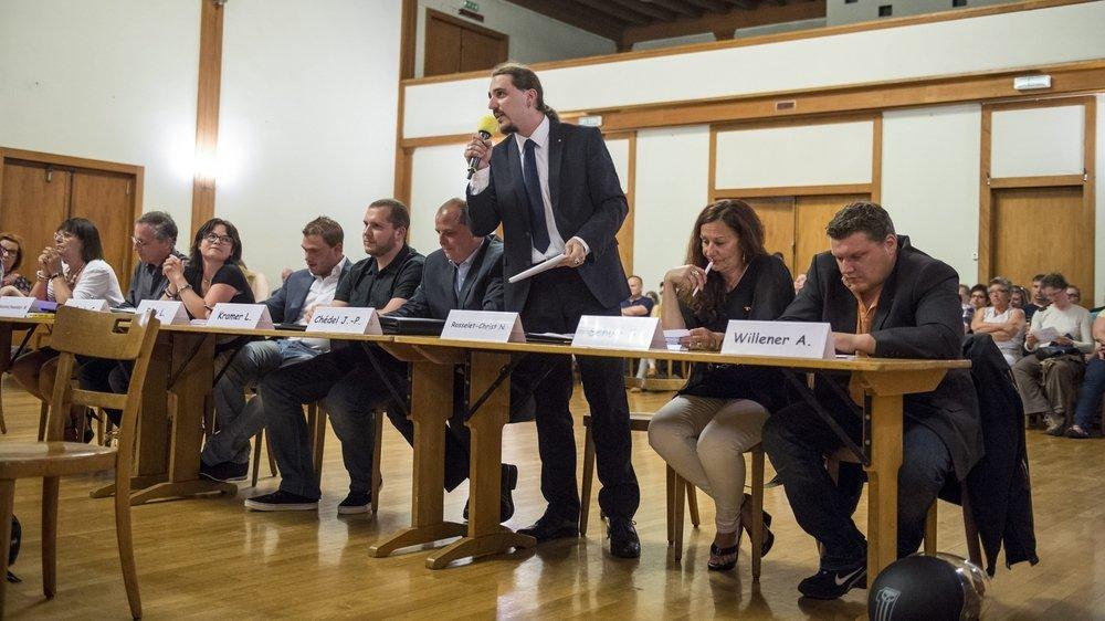 Le groupe UDC lors de la dernière élection du Conseil communal, en 2016. Ce jour-là, Niels Rosselet-Christ (debout) et les autres élus agrariens n'avaient pu obtenir le siège qu'ils visaient.
