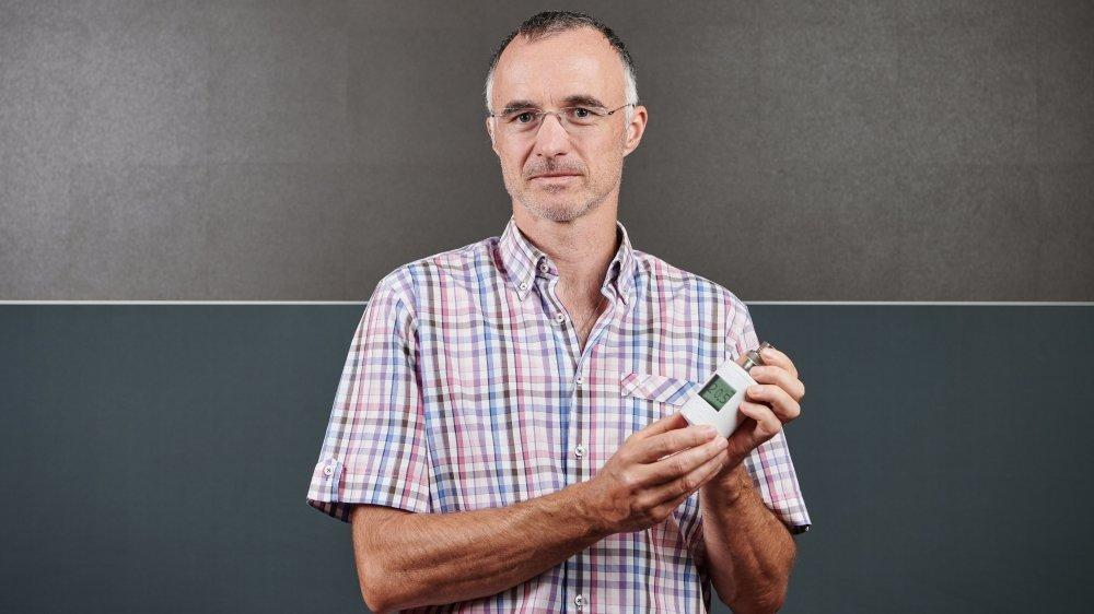CSEM  Invention neuchateloise: une vanne intelligente permet de calculer precisement la consommation de chauffage.