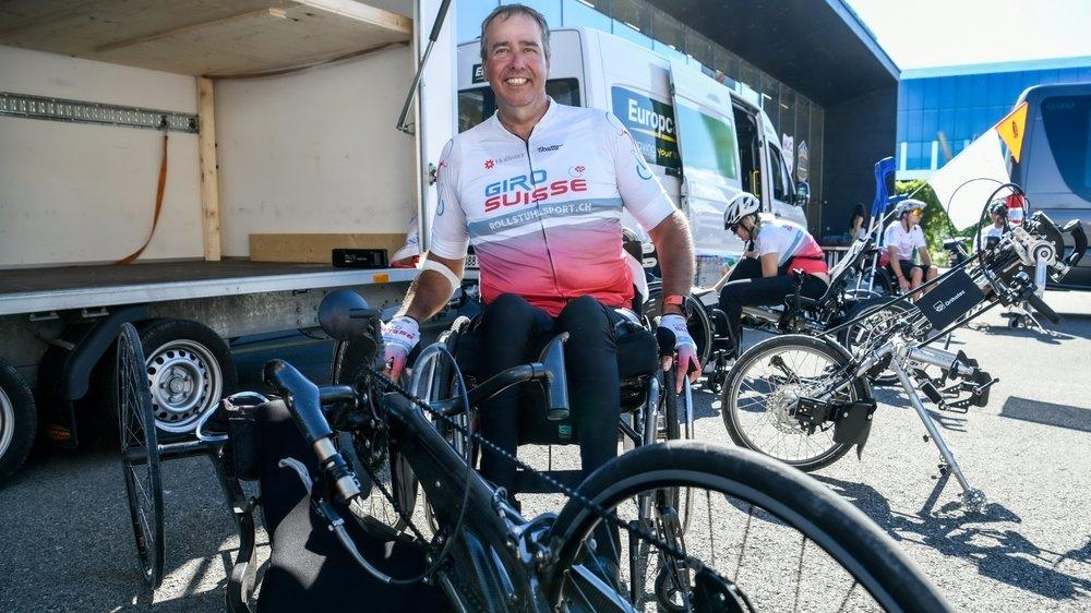 Le Jurassien Yves Tendon, seul représentant romand à réaliser les treize étapes du Giro Suisse, avec son vélo.