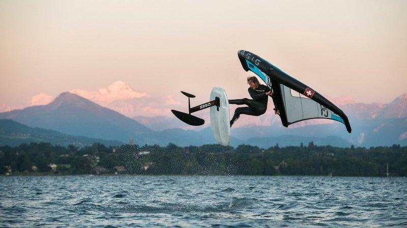 Le wing foil, ce drôle d'oiseau volant à la surface des trois lacs