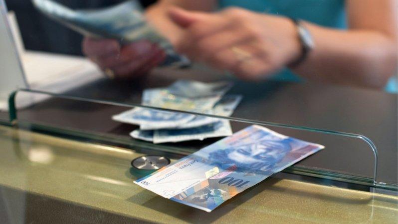 Neuchâtel: des solutions moins chères pour virer de l'argent en France