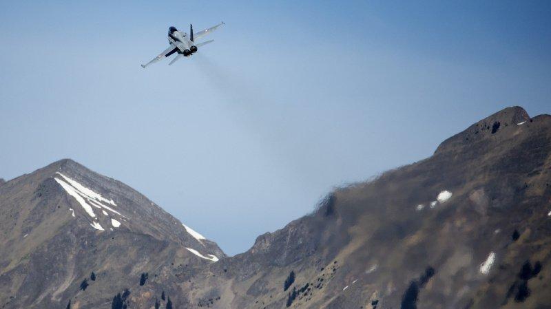 Avions de combat: six milliards en jeu pour renouveler la flotte aérienne de l'armée