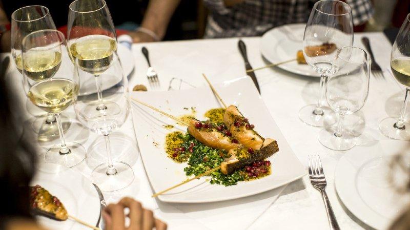Tourisme: les réservations au restaurant ont repris plus vite en Suisse