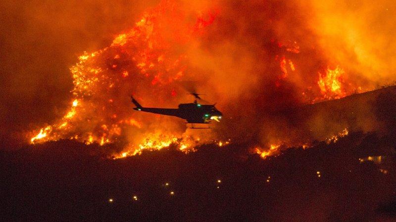 Plus de 200 personnes évacuées par hélicoptère — Incendies en Californie