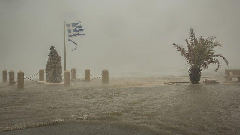 Ouragan en Grèce: deux morts et un disparu après des pluies torrentielles
