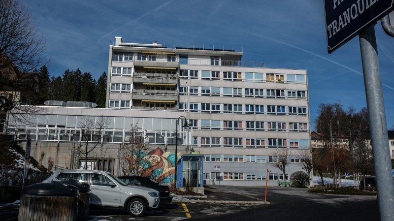 Quelque 180 personnes sont employées au home médicalisé La Sombaille, à La Chaux-de-Fonds, qui accueille actuellement 115 résidents.