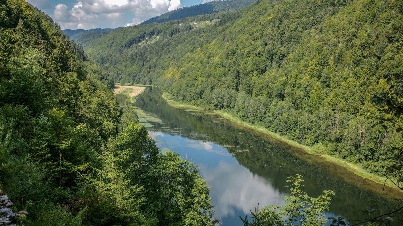 Les guides nature ont notamment fréquenté les bords du Doubs, ici à la Goule.
