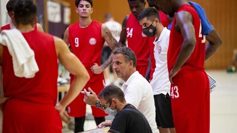 Basket: Manu Schmitt, quand adaptation rime avec passion