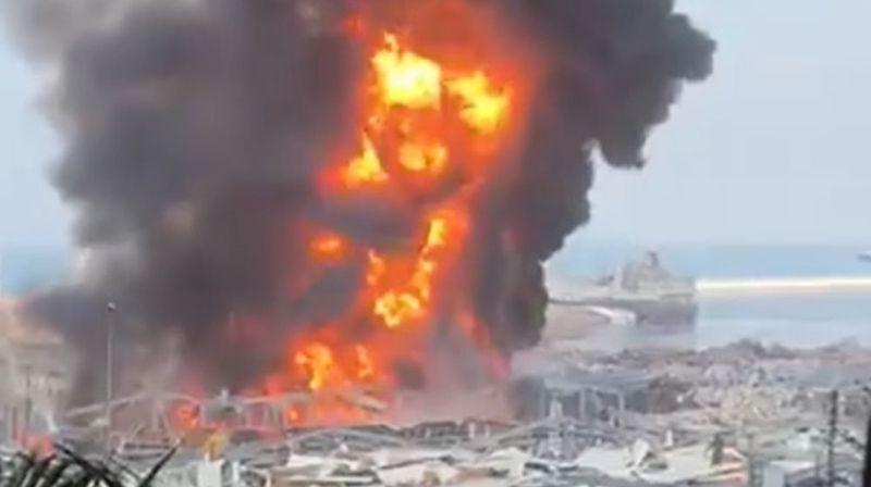 Un gigantesque incendie au port de Beyrouth, quelques semaines après les explosions