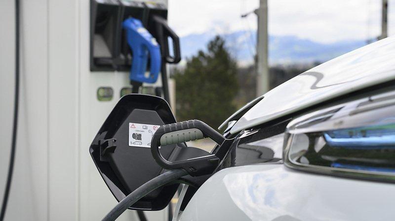 Les voitures de tourisme hybrides et surtout électriques vont à contrecourant de cette tendance (archives).