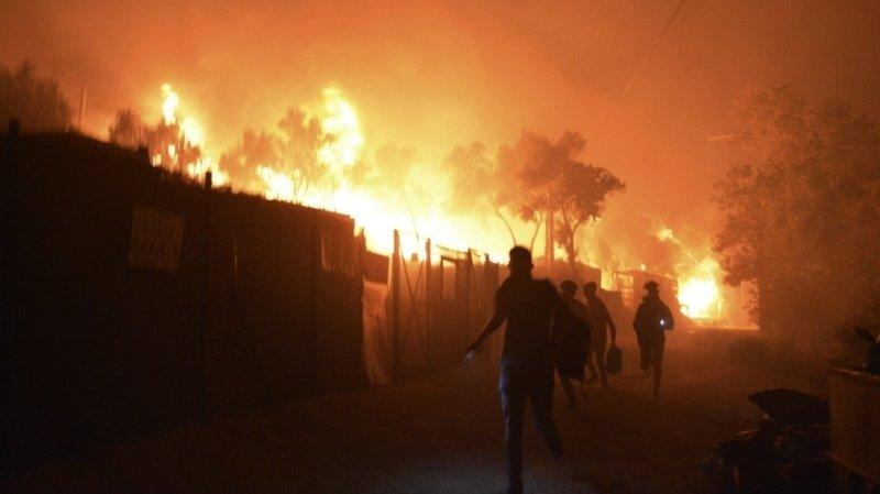 Grèce : un incendie ravage le camp de réfugiés à Lesbos