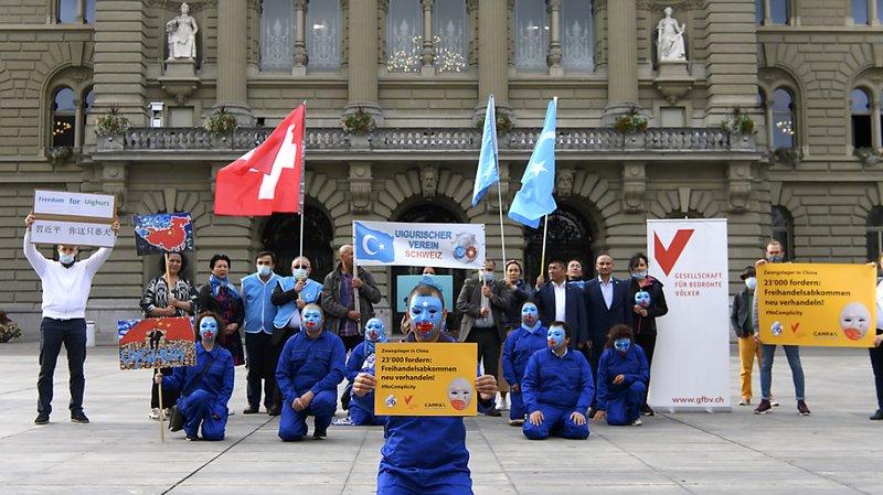 Ouïghours: 23'000 signatures pour renégocier l'Accord de libre-échange Suisse-Chine