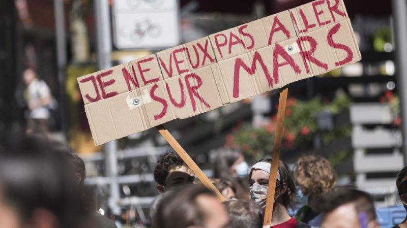 Grève du climat: des milliers de jeunes ont manifesté dans les rues de Suisse