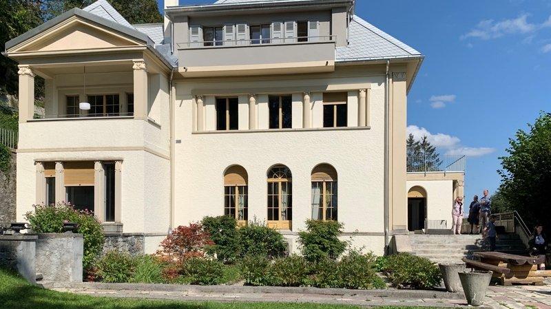Le Locle: un appartement de 240m2 du Corbusier à louer pour 2700francs par mois