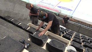 Le monde du hockey s'adapte: des places debout deviennent des places assises