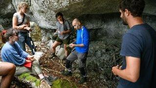 Val-de-Travers: des grottes sous l'œil expert des archéologues