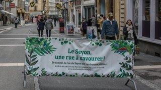 Neuchâtel: vers une rue du Seyon définitivement sans bus le samedi?